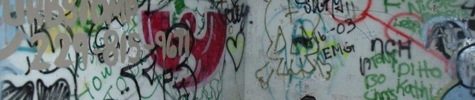 pintadas en la fachada seguro comunidad vecinos