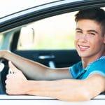 ¿Los conductores jóvenes lo tienen más difícil a la hora de contratar un seguro de coche?