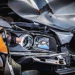 ¿Qué pasa con el seguro si un amigo o familiar tiene un accidente con mi coche?
