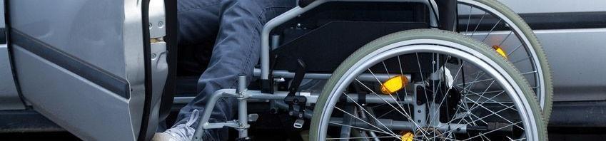asegurar el coche de una persona con discapacidad