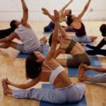 Yoga y ejercicio aeróbico para mejorar los factores de riesgo de enfermedad cardíaca