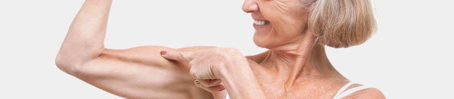 Los adultos mayores deben comer más proteínas, confirman varios estudios