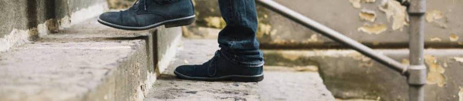 Periodos cortos subiendo escaleras a lo largo del día para mejorar la salud