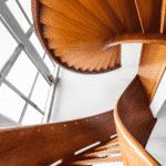 ¿Cuánto se debe invertir para instalar un mecanismo salvaescalera en el hogar?
