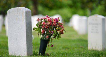 quien paga el entierro si no hay seguro